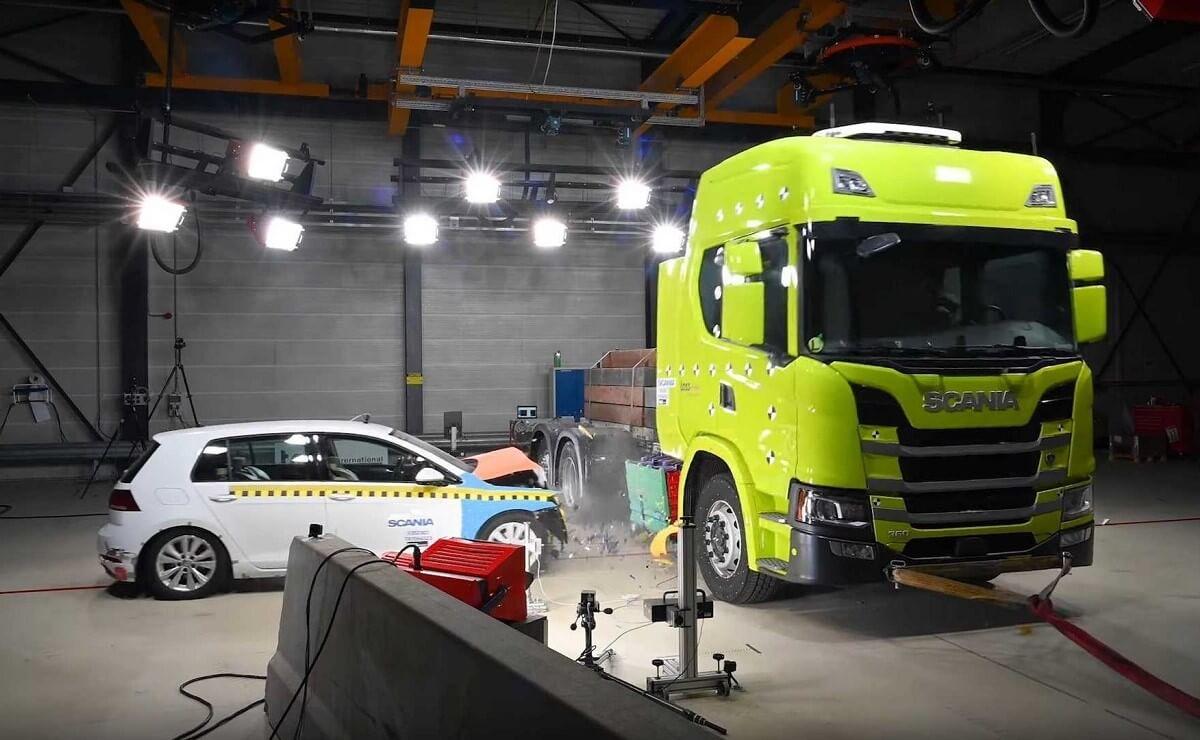 Scania eléctrico crash test
