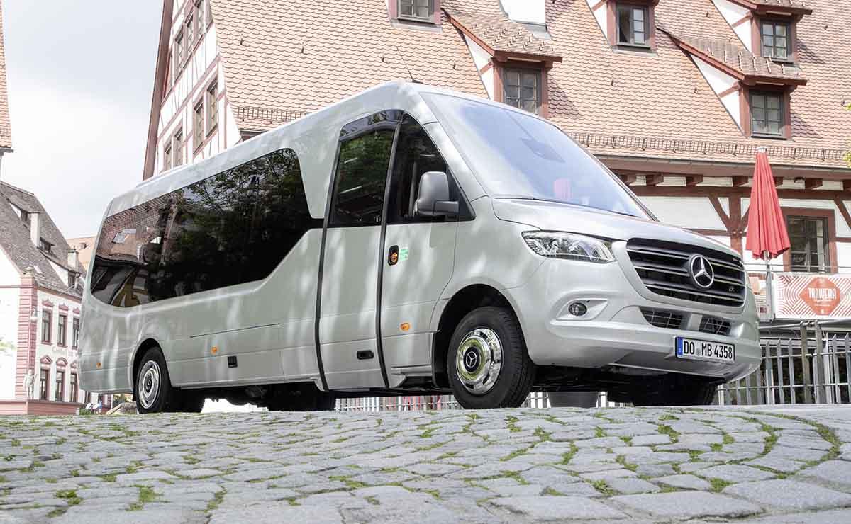 mercedes-sprinter-minibus