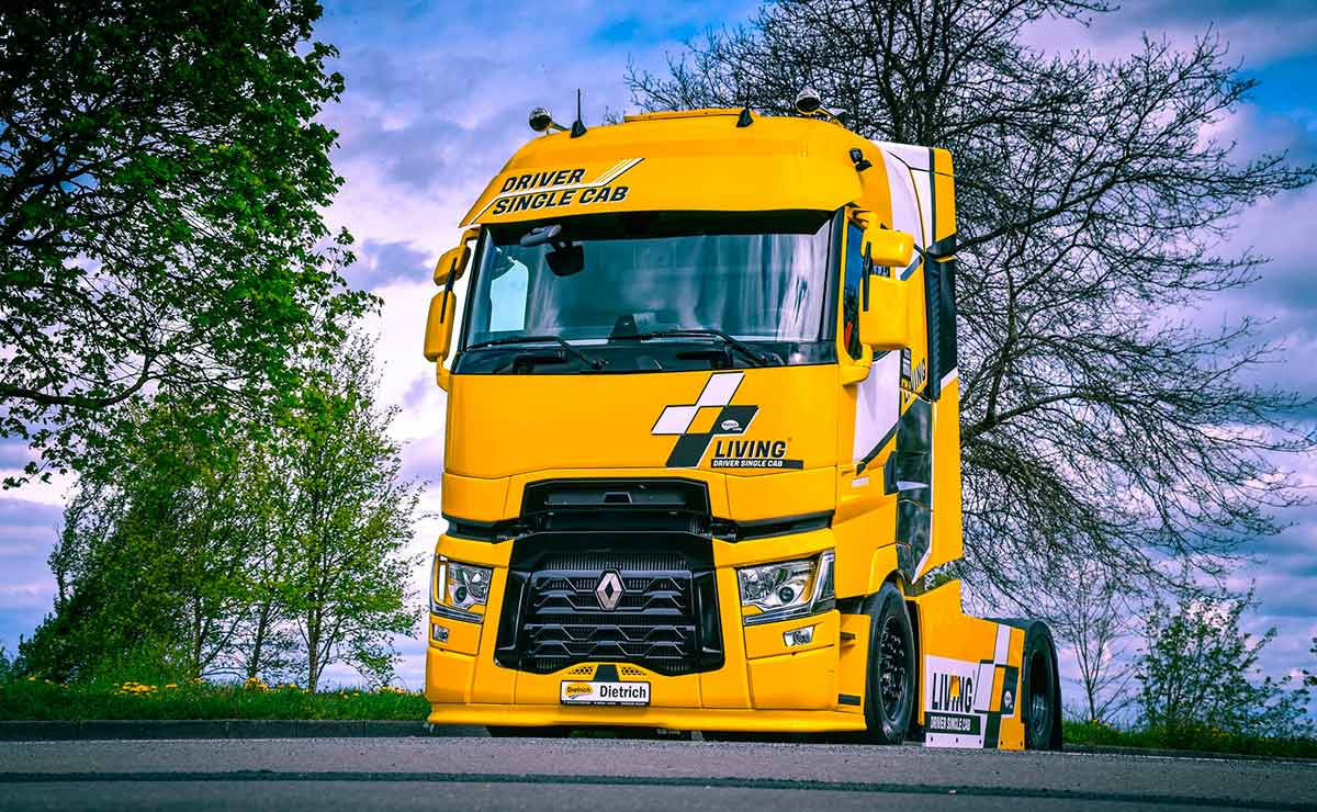 renault-trucks-living